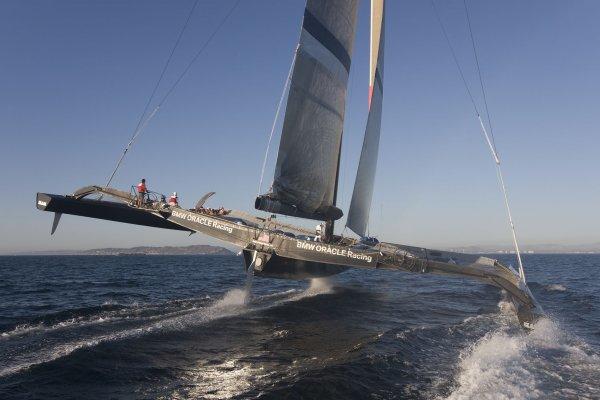 bmw-oracle-boat.jpg